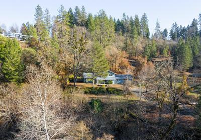 1962 APPLEGATE AVE, Grants Pass, OR 97527 - Photo 2