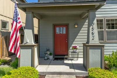 20552 GLOUCESTER LN, Bend, OR 97701 - Photo 2