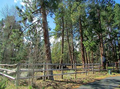 390 S TIMBER CREEK DR, Sisters, OR 97759 - Photo 2