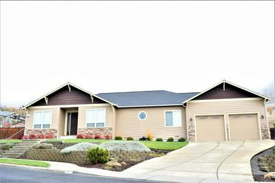 4441 VISTA POINTE DR, Medford, OR 97504 - Photo 2