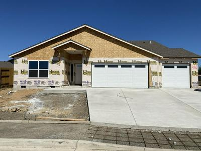 990 STONEWATER DR, Eagle Point, OR 97524 - Photo 1