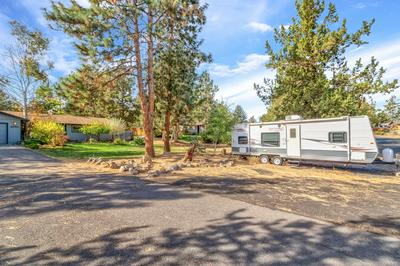 63911 SUNSET DR, Bend, OR 97703 - Photo 2