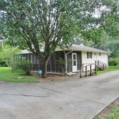 627 TYLER AVE, Tylertown, MS 39667 - Photo 2