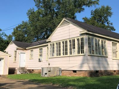 431 N JACKSON ST, Brookhaven, MS 39601 - Photo 2