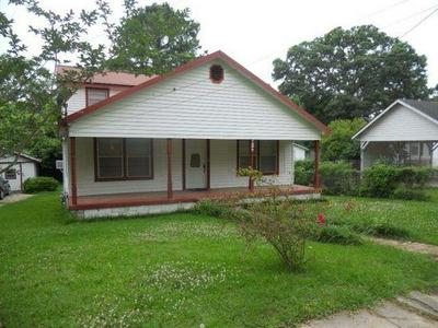 332 FIRST WEST ST N, Woodville, MS 39669 - Photo 1