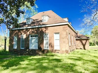 253 S SECOND ST, Gloster, MS 39638 - Photo 1