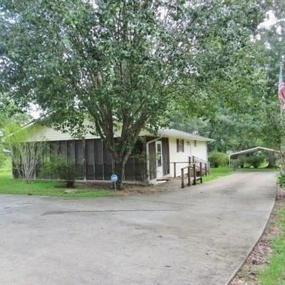627 TYLER AVE, Tylertown, MS 39667 - Photo 1