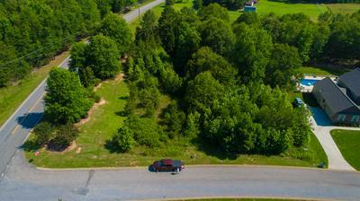 429 WALNUT GROVE RD, Roebuck, SC 29376 - Photo 1