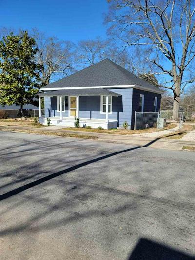 587 N FOREST ST, Spartanburg, SC 29303 - Photo 2