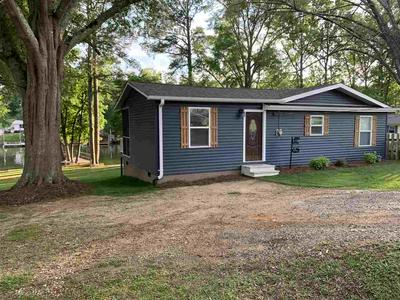 651 POINT LOOKOUT RD, Cross Hill, SC 29332 - Photo 1