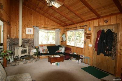 586 GARDNER ST, South Lake Tahoe, CA 96150 - Photo 2