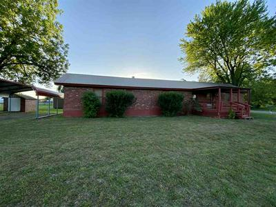 1437 E WALNUT ST, Cushing, OK 74023 - Photo 1