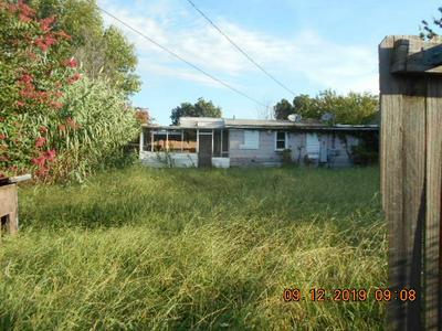 819 E 2ND ST, Cushing, OK 74023 - Photo 2