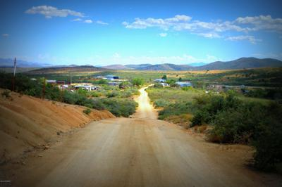 175 S QUAIL TRACKS RD, Dewey, AZ 86327 - Photo 2