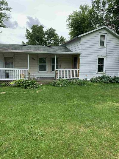 105 WALKER ST, Evansville, WI 53536 - Photo 2