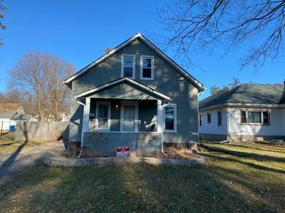 315 10TH ST, Baraboo, WI 53913 - Photo 2
