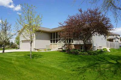 850 MERRI HILL DR, Oregon, WI 53575 - Photo 1
