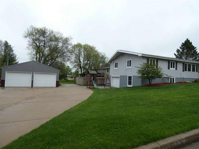 215 S VIRGINIA CT, Dodgeville, WI 53533 - Photo 2