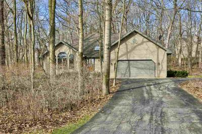 286 MAPLE HEIGHTS RD, Marshall, WI 53559 - Photo 2