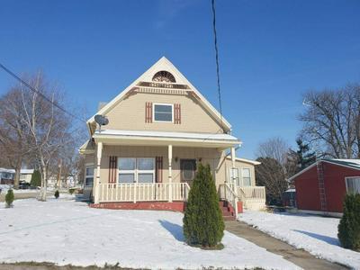 504 E MARY ST, DARLINGTON, WI 53530 - Photo 1