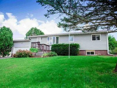 128 ISABELL CT, Highland, WI 53543 - Photo 2