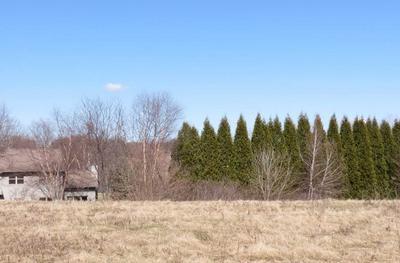 401 PRAIRIE CT, Watertown, WI 53094 - Photo 2