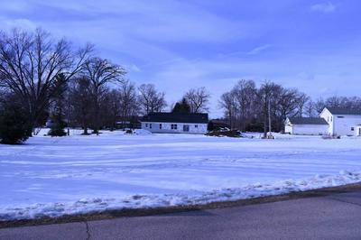 305 THRUSH LN, Jefferson, WI 53549 - Photo 1