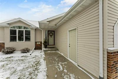 185 WEYBRIDGE DR, Sun Prairie, WI 53590 - Photo 2