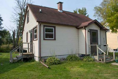 902 PRAIRIE ST, Mauston, WI 53948 - Photo 2