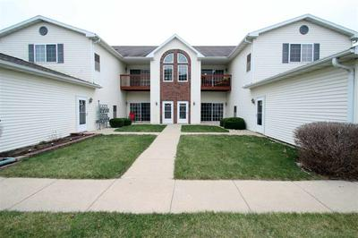1608 COMMONWEALTH DR APT 5, Fort Atkinson, WI 53538 - Photo 1