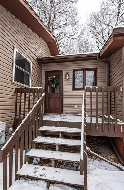 W8923 HILLTOP RD, Caledonia, WI 53901 - Photo 2