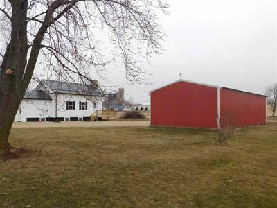12348 W COUNTY ROAD B, Janesville, WI 53548 - Photo 2