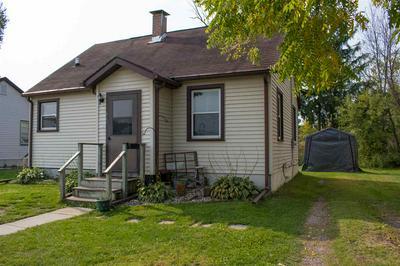 902 PRAIRIE ST, Mauston, WI 53948 - Photo 1