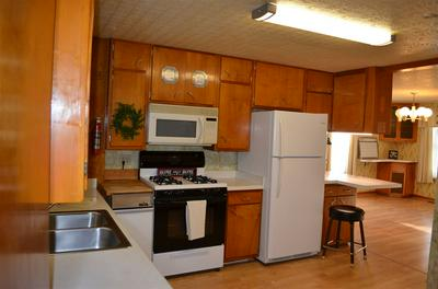 381 ROCKPORT RD, Janesville, WI 53548 - Photo 2