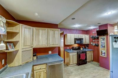 304 LINCOLN AVE, REESEVILLE, WI 53579 - Photo 2