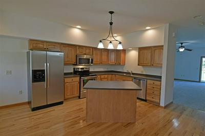 2006 FAWN VALLEY CT, Reedsburg, WI 53959 - Photo 2
