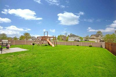 5010 EAGLES PERCH DR, Madison, WI 53718 - Photo 2