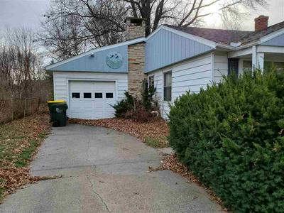 425 FRANKLIN ST, Reedsburg, WI 53959 - Photo 2