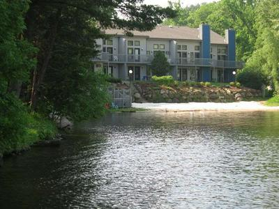 1093 CANYON RD # 407, Lake Delton, WI 53965 - Photo 2