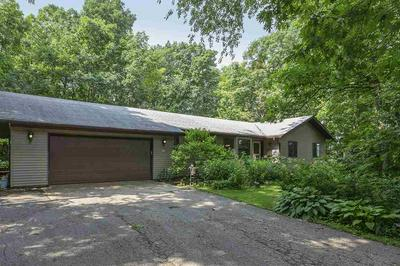 907 KRAAK RD, Marshall, WI 53559 - Photo 2