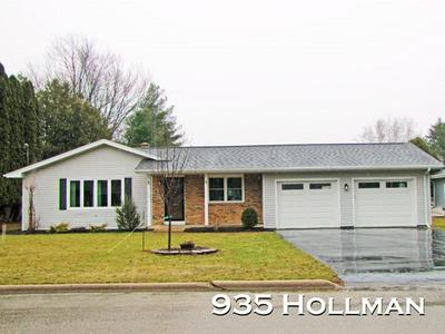 935 HOLLMAN ST, PLATTEVILLE, WI 53818 - Photo 1