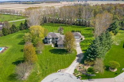 633 LOGAN CIR, Marshall, WI 53559 - Photo 2