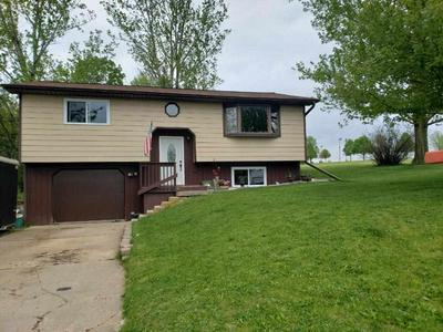 404 ELLIOTT ST, Dodgeville, WI 53533 - Photo 1