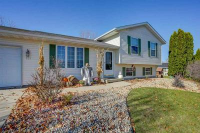 521 INDIAN SUMMER RD, Marshall, WI 53559 - Photo 2