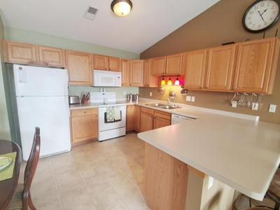 1604 COMMONWEALTH DR APT 4, Fort Atkinson, WI 53538 - Photo 2