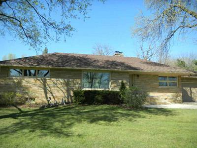 W8084 COUNTY ROAD B, Lake Mills, WI 53551 - Photo 2
