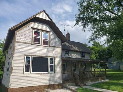 112 N WASHINGTON ST, Deerfield, WI 53531 - Photo 2