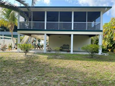 4677 BERKSHIRE RD, SAINT JAMES CITY, FL 33956 - Photo 2