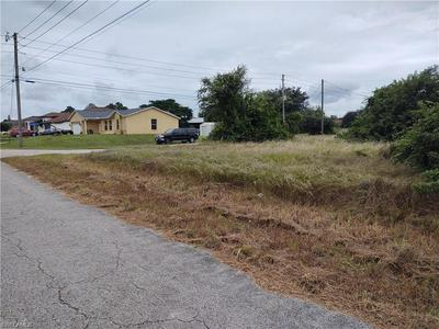 605 NORMAN AVE, LEHIGH ACRES, FL 33971 - Photo 2