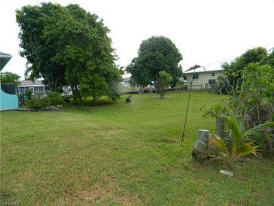 2484 SAPODILLA LN, ST. JAMES CITY, FL 33956 - Photo 2